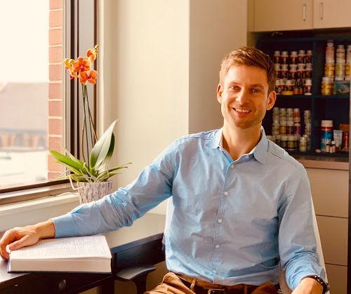 Dr Aaron Cashman